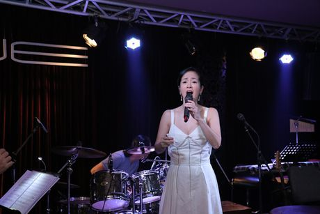 Thu Minh cuc 'xi tin', My Tam 'om ap' Hong Nhung tap luyen cho show dien dang cap - Anh 6