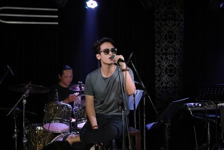 Thu Minh cuc 'xi tin', My Tam 'om ap' Hong Nhung tap luyen cho show dien dang cap - Anh 7
