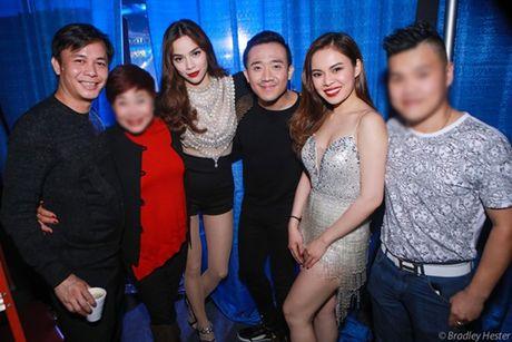 Ro ri hinh anh Ho Ngoc Ha cong khai chup cung Chu Dang Khoa tai My! - Anh 1