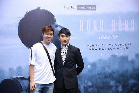Linh Nga dep hut hon trong hop bao Hoang Rob, hua hen man ket hop co 1-0-2 - Anh 10