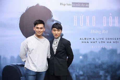 Linh Nga dep hut hon trong hop bao Hoang Rob, hua hen man ket hop co 1-0-2 - Anh 12