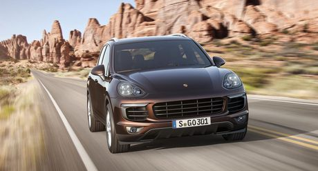 1.500 xe Cayenne ton kho, Porsche thanh ly bang gia xe cu - Anh 1
