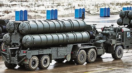 Almaz-Antey ban giao 5 trung doan S-400 cho quan doi Nga - Anh 1
