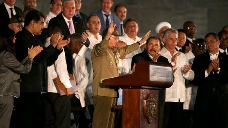 Cuba tien dua di hai lanh tu Fidel Castro ve Santiago de Cuba - Anh 2