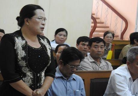Xet thuong nguoi to cao tham nhung tai So LD Ca Mau - Anh 2