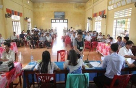 Quang Tri hoan thanh chi tra tien boi thuong thiet hai dot 1 cho nguoi dan vung bien - Anh 1