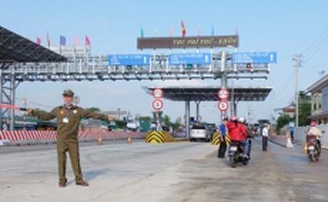 Giam phi duong bo tai tram thu phi Phu Bai (Thua Thien - Hue) - Anh 1