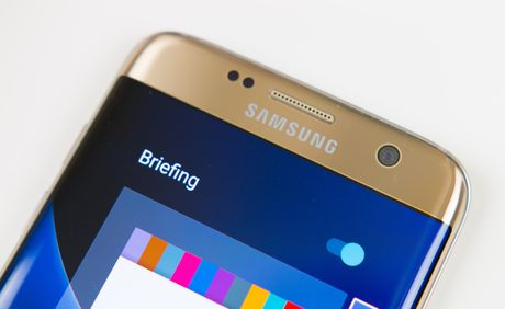 Samsung Galaxy S8 se tu lay net khi chup selfie - Anh 1