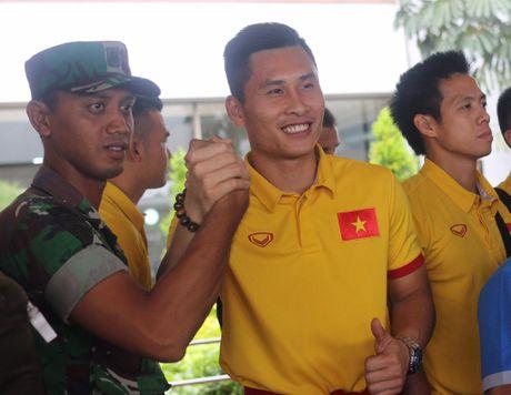 Nguoi ham mo Indonesia chao don tuyen Viet Nam - Anh 2
