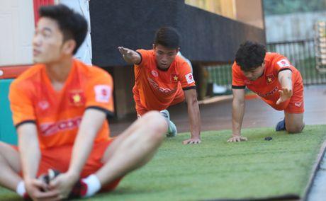 Tuyen Viet Nam tap nhe buoi dau o Indonesia - Anh 3