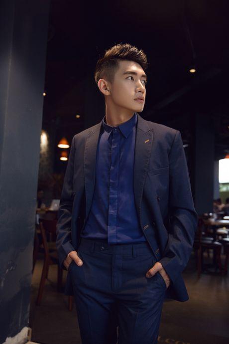 Quang Dang bat ngo hoa 'nam than' hut hon fan nu - Anh 7