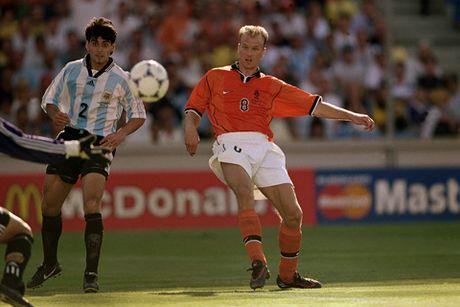 Dennis Bergkamp: Tieu chuan cua chu nghia hoan hao - Anh 3