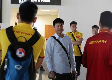 CAP NHAT tin toi 30/11: Doi tuyen Viet Nam 'dung tim' vi may bay rung lac. Xabi Alonso moi Ronaldo sang Bayern - Anh 1
