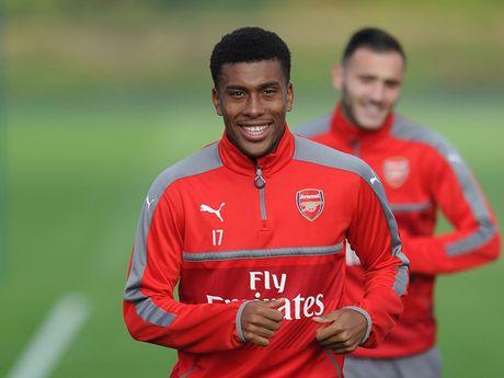 Doi hinh tre trung giup Arsenal 'vuot ai' Southampton - Anh 10