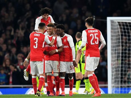 Doi hinh tre trung giup Arsenal 'vuot ai' Southampton - Anh 1