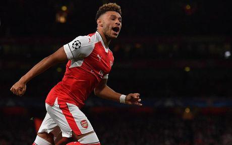 Doi hinh tre trung giup Arsenal 'vuot ai' Southampton - Anh 9