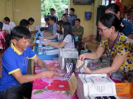 Quang Tri hoan thanh tra tien boi thuong dot I cho nguoi dan vung bien - Anh 1