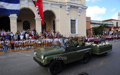 Nguoi dan tren khap Cuba vinh biet Lanh tu Fidel Castro - Anh 5
