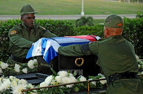 Nguoi dan tren khap Cuba vinh biet Lanh tu Fidel Castro - Anh 8