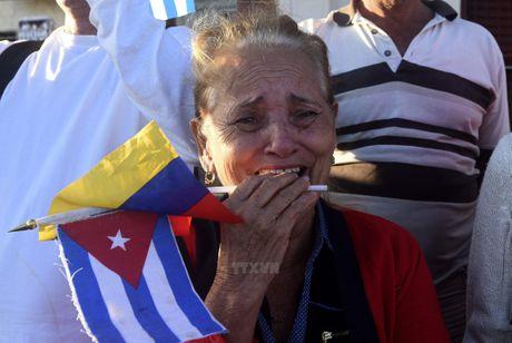 Nguoi dan tren khap Cuba vinh biet Lanh tu Fidel Castro - Anh 9