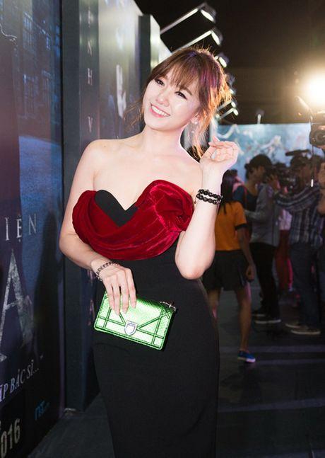 Ban gai o nha the nay, Tran Thanh khong me moi la! - Anh 17