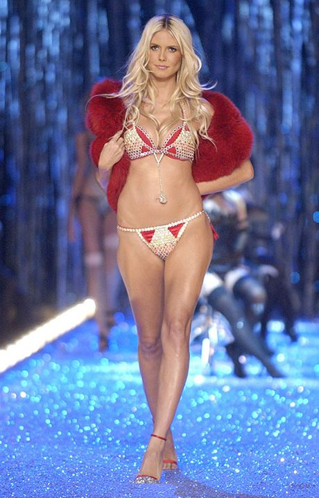 Can canh loat noi y cuc xa xi trong lich su Victoria's Secret - Anh 14