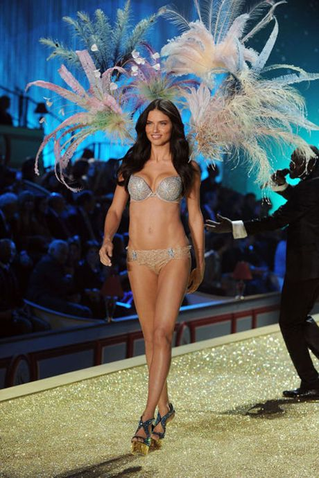Can canh loat noi y cuc xa xi trong lich su Victoria's Secret - Anh 7