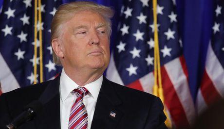Ong Trump duoc quyen nhan tin cho moi cong dan My - Anh 1