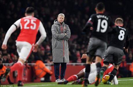 Arsenal 0-2 Southampton: Giao su het 'ao tuong suc manh' - Anh 1
