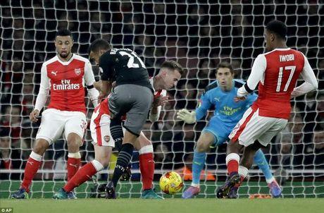 Arsenal 0-2 Southampton: Giao su het 'ao tuong suc manh' - Anh 3