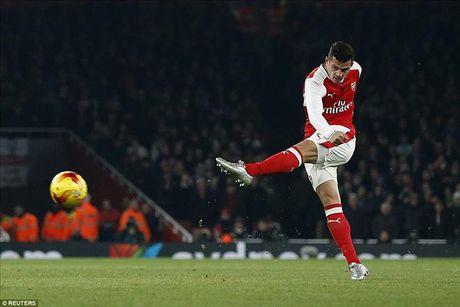 Arsenal 0-2 Southampton: Giao su het 'ao tuong suc manh' - Anh 4