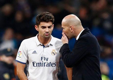 Zidane ra san va ghi ban, Real lai 'huy diet' Leonesa - Anh 8