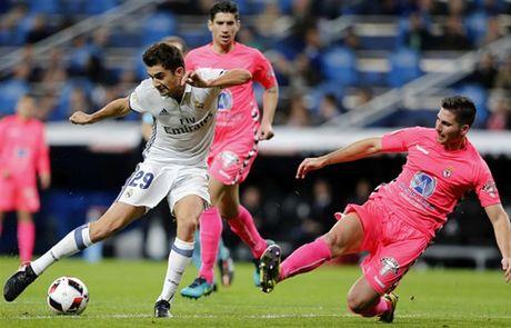 Zidane ra san va ghi ban, Real lai 'huy diet' Leonesa - Anh 9