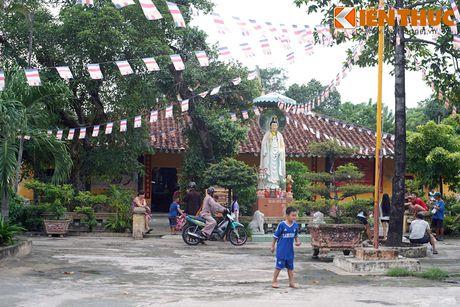 Canh tuong nhoi long tai ngoi chua co 'cho sap' o Sai Gon - Anh 1
