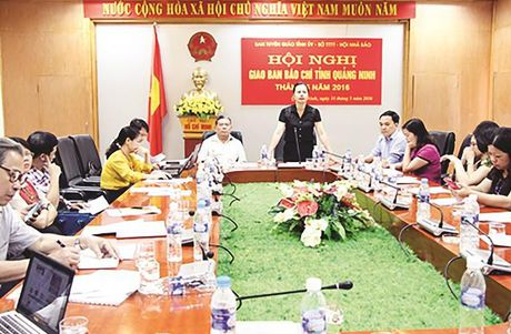 Hoi Nha bao Quang Ninh: Nhieu cach lam trong viec nang cao dao duc nghe nghiep cho hoi vien- nha bao - Anh 1
