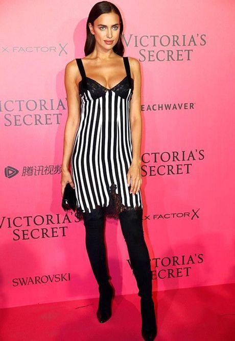 Co bau, bo cu Ronaldo van tham gia show Victoria's Secret - Anh 2