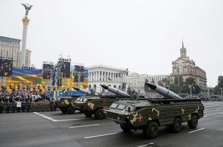 Phot lo Nga, Ukraine thu ten lua gan Crimea - Anh 1