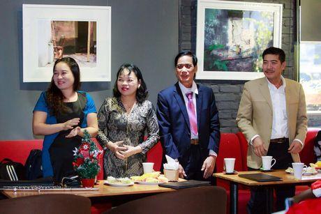 Khi nhac Giang sinh vang len tu cay flute cua Huyen Trang - Anh 4