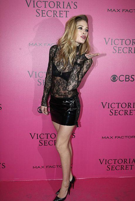 Tham do VS show: Kendall Jenner mac vay ngu, Bella Hadid pho bay noi y - Anh 10