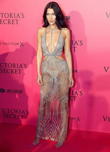 Tham do VS show: Kendall Jenner mac vay ngu, Bella Hadid pho bay noi y - Anh 3