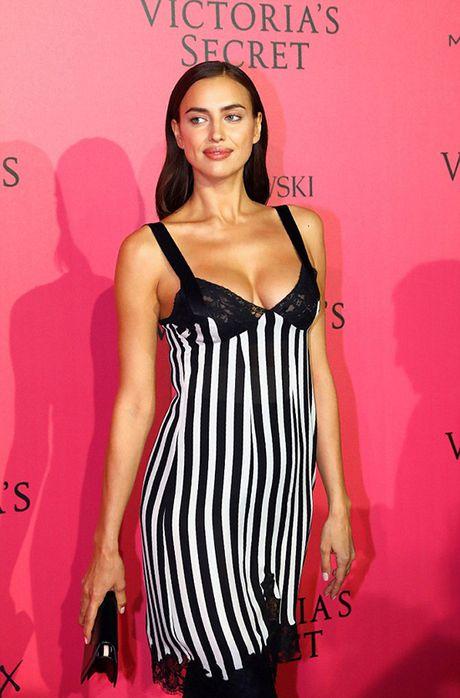 Tham do VS show: Kendall Jenner mac vay ngu, Bella Hadid pho bay noi y - Anh 5