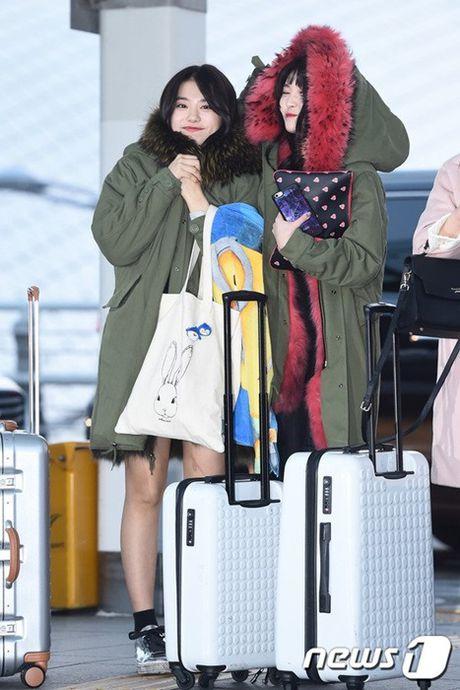 Twice, I.O.I do nhan sac khi len duong du MAMA 2016 - Anh 17