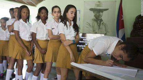 Cam dong nguoi dan Cuba noi loi tam biet lanh tu Fidel Castro - Anh 11