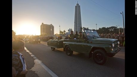 Cam dong nguoi dan Cuba noi loi tam biet lanh tu Fidel Castro - Anh 1