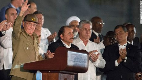Cam dong nguoi dan Cuba noi loi tam biet lanh tu Fidel Castro - Anh 2