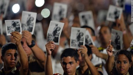 Cam dong nguoi dan Cuba noi loi tam biet lanh tu Fidel Castro - Anh 8