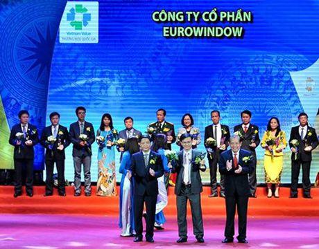 Eurowindow 3 lan lien tiep dat Thuong hieu Quoc gia - Anh 1