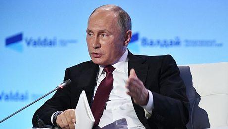 Tong thong Putin he lo them ve cuoc dien dam voi ong Donald Trump - Anh 1