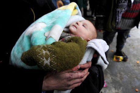 Can canh ben trong khu vuc vua duoc giai phong o Aleppo - Anh 6