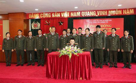 Thi dua dac biet chao mung ky niem 50 nam Ngay thanh lap Cuc Cong tac chinh tri - Anh 2